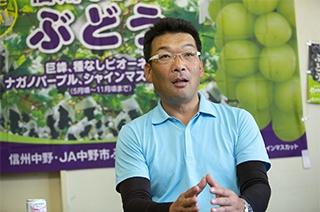 生産者から見た品種転換の経緯を語るぶどう部会 部会長の徳武氏