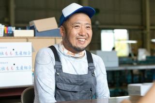 研修生の長谷川氏。もともともの作りが好きで、桃作りにも意欲を見せる