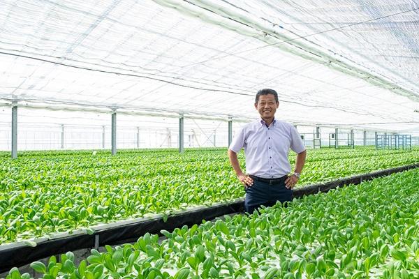「ユニバーサル農業」に取り組み、早くから農福連携を実践してきた京丸園の鈴木厚志社長(写真:廣瀬貴礼)