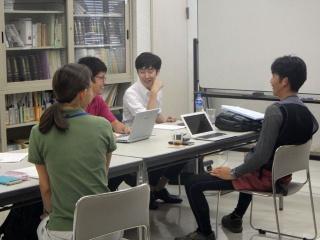 個別面談。経営塾で築いたネットワークが修了後、新たな展開につながるケースも(提供:埼玉県)