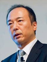 "S&J株式会社<br>代表取締役社長<br><span class=""name"">三輪 信雄</span> 氏"