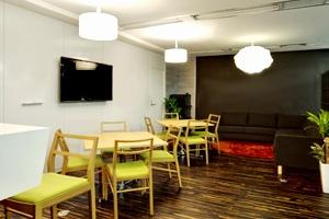 コミュニケーションの場となるカフェスペース
